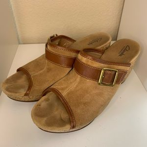 Clarks brown platform sandals size 11